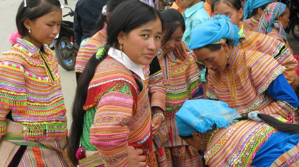 vietnam-hills-traditional-clothing