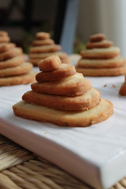 Rosemary-heart-butter-Cookie-stacked