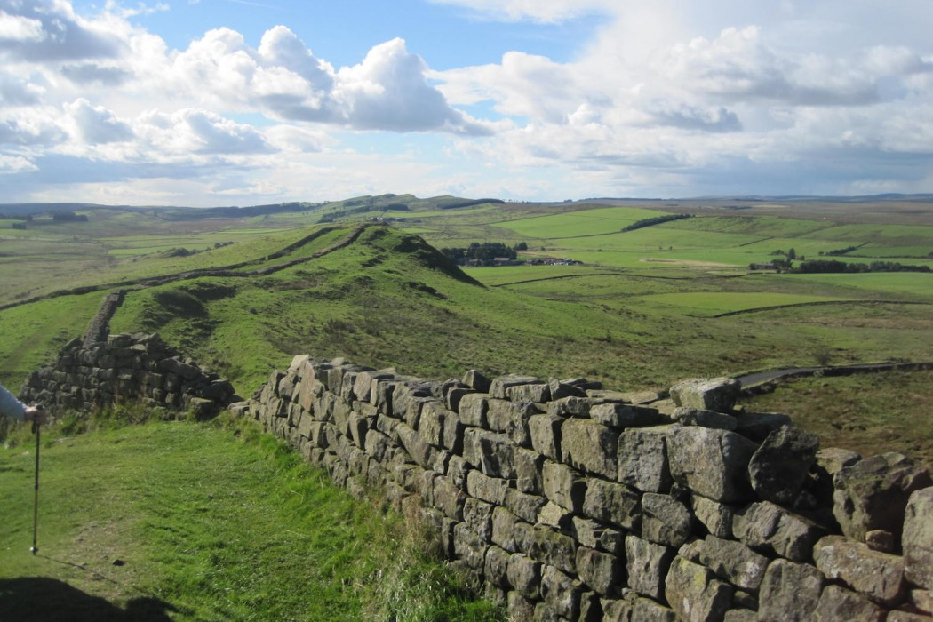 hadrians-wall-england-countryside