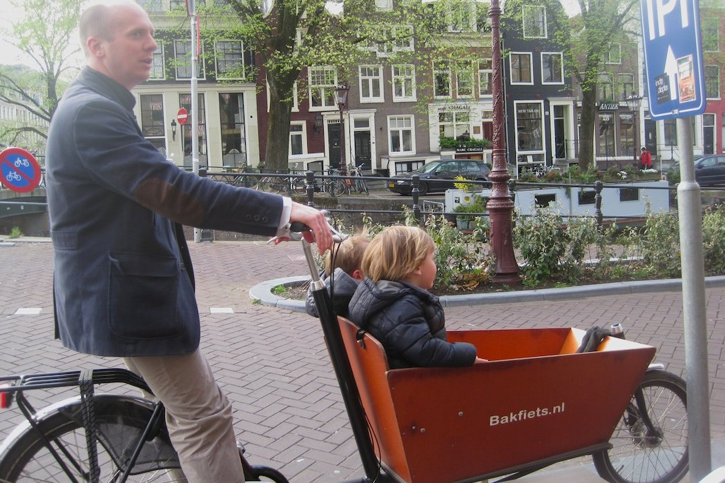 biking-holland-kid-carrier