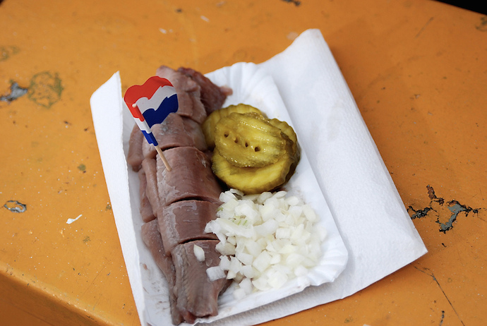 dutch-street-food-herring