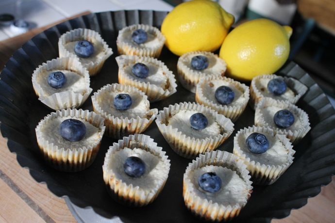 lemon-blueberry-ricotta-cheeseckelettes1