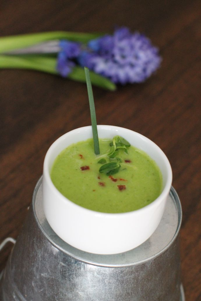 pureed spring pea soup