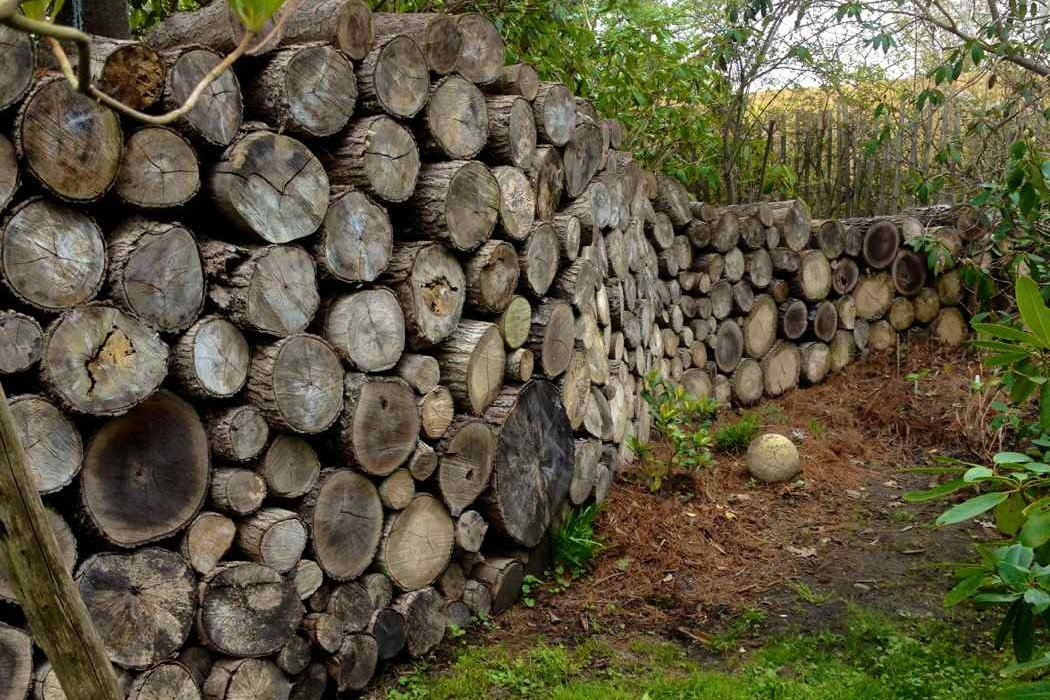 Sakonnet Gardens log wall