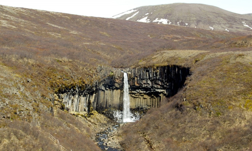 Iceland_Ring_Road-Skaftafell-waterfall