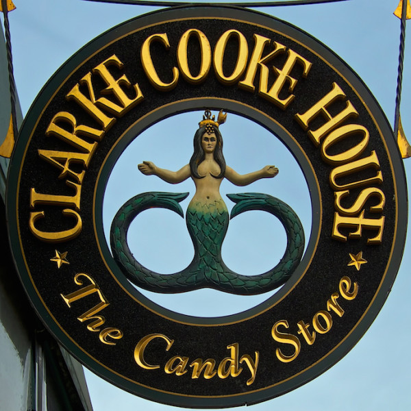 newport-ri-clarke-cooke-house-mermaid-sign