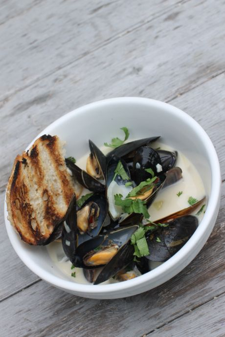 Mussels-Spicy-Lemongrass-Coconut-Thai-Newport-RI