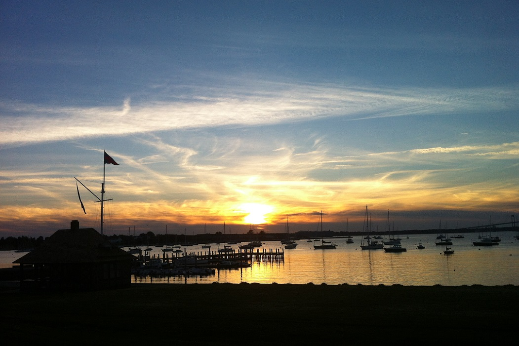 harbour-court-new-york-yacht-club-newport-ri-sunset-cocktails
