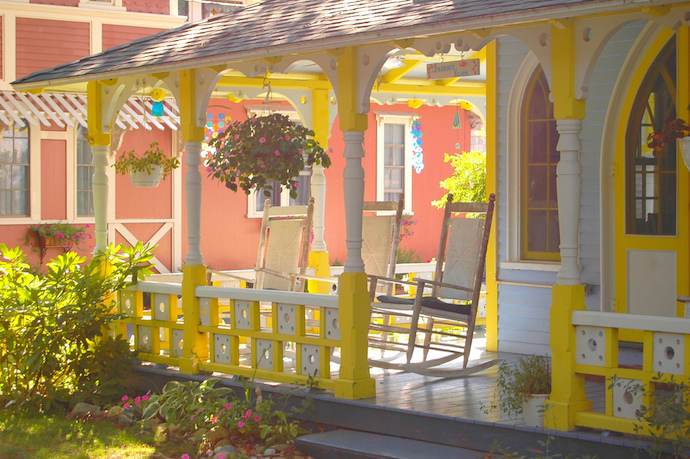 marthas-vineyard-camp-meeting-ground-cottage-porch