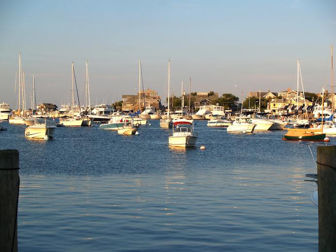 oak-bluffs-harbor-marthas-vineyard