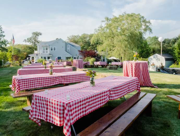 preppy-hoedown-newport-ri-gingham-tablecloths