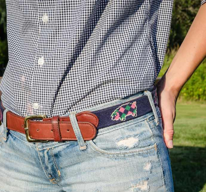 preppy-hoedown-newport-ri-preppy-pig-needlepoint-belt
