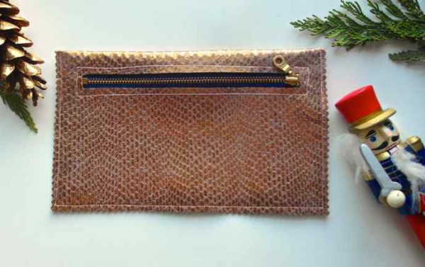 abi-and-amo-gold-leather-clutch-holiday