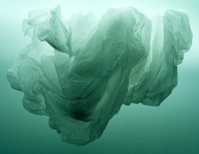 plastic-bag-in-ocean
