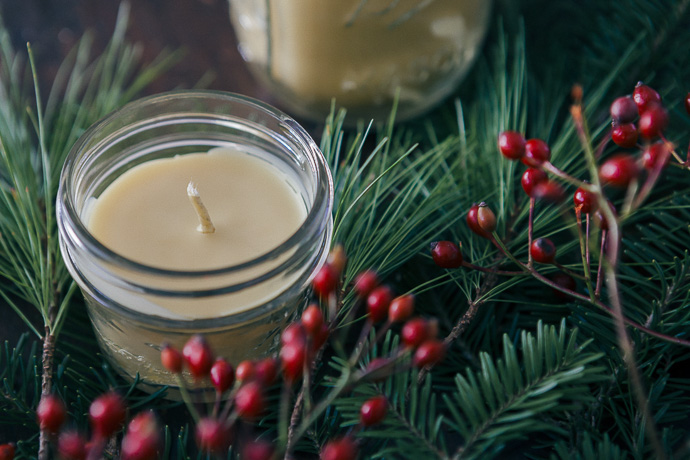 beeswax candle diy-all-natural-beauty-gifts
