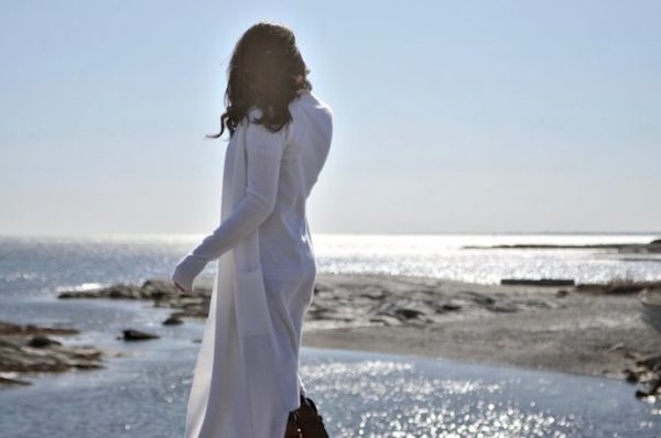cashmere duster at the beach