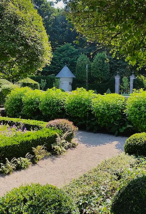 garden-tour-newport-ri-parterre